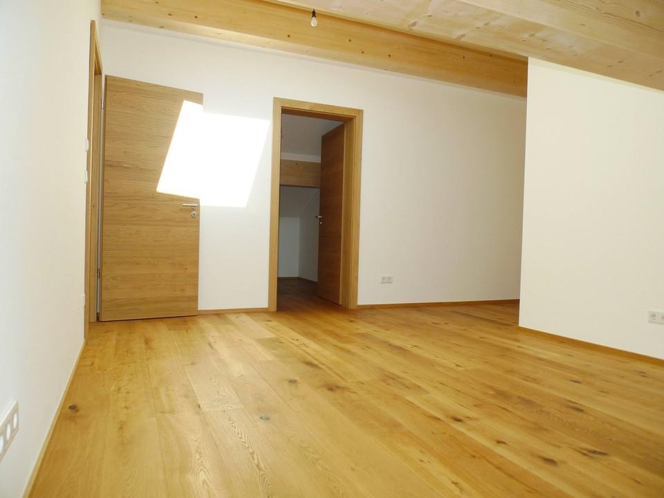 Schlafzimmer DG m. Ankleide
